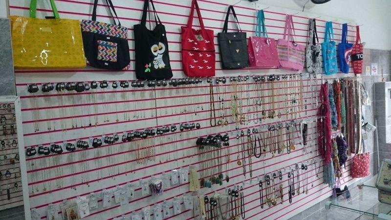 b84d6ef83 Vendo Loja De Bijuterias E Acessórios Femininos - São Paulo