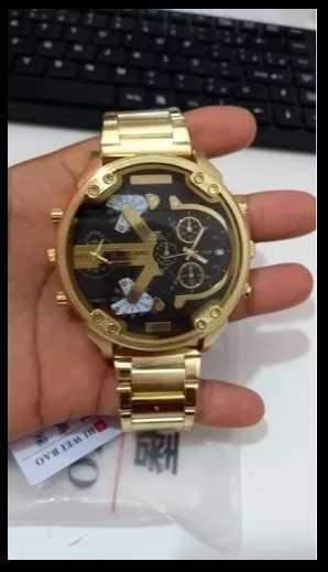 23915330b18 Relógio Shiweibao Luxo Dourado Fundo Preto (frete Grátis) - Guarulhos
